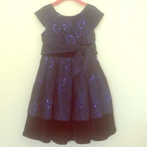 Blue special occasion dress. Size 5.